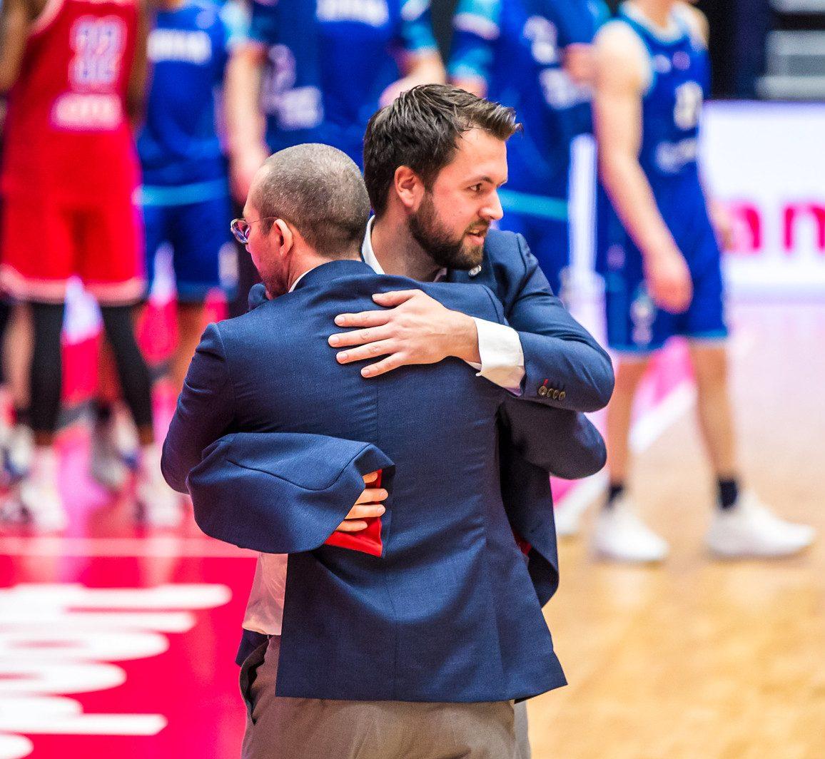 Wegen Jeroen van Vugt en Heroes Basketball Academy Den Bosch scheiden